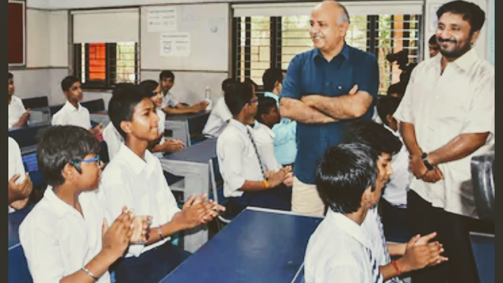 A student of govt school thanking Manish Sisodia Ji for revolutionary work in education